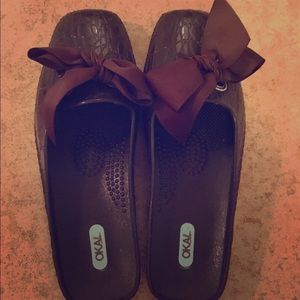 Oka B. brown mule slides with bows